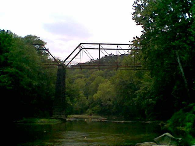 Kimberly, AL : Abandoned bridge span crossing the Warrior River at Warrior Kimberly Road