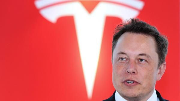"""This week, Elon Musk received another accolade. He was recognized as one of the top CEOs in the world based on his insanely high 98% approval rating with jobs-website Glassdoor. What are his employees saying? """"Insanely intense magic,"""" """"challenging but highly rewarding,"""" and """"a family like relationship."""" https://cleantechnica.com/2017/07/09/elon-musk-98-approval-rating-staff-glassdoz/"""