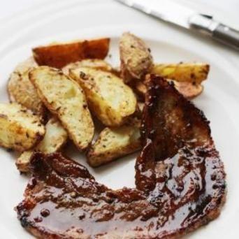 Maak speklapjes weer spannend met deze kruidige marinade van Original Spices Garam Masala. Serveer met geroosterde aardappeltjes uit de oven en geniet!
