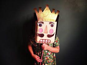 Llevo el invierno: Kid craft: make a Nutcracker on a stick