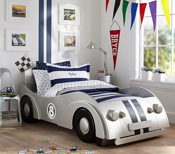 Car bedroom idea for boys - zoom zoom!