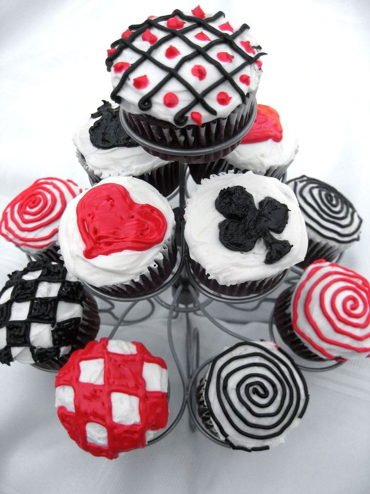 These cupcakes remind us of the Red Queen in Alice in Wonderland.