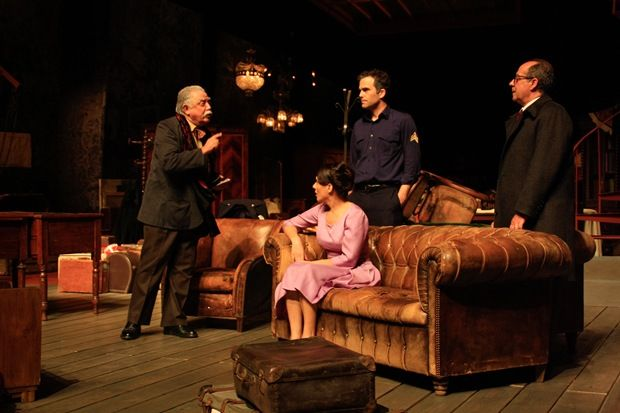 """""""O Preço"""" estreia no Teatro Aberto"""