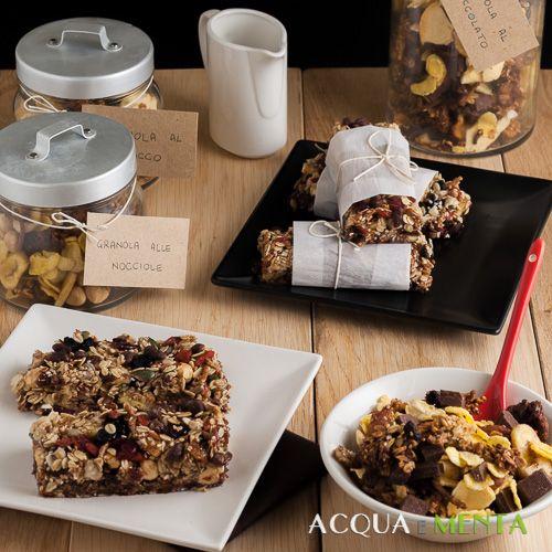colazione buona e sana granola muesli frutta secca frutti rossi disidratata ribes lampone bacche goji avena fibre crusca cioccolato