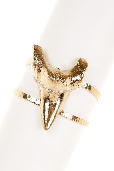 SKOVA Shark Tooth Cuff