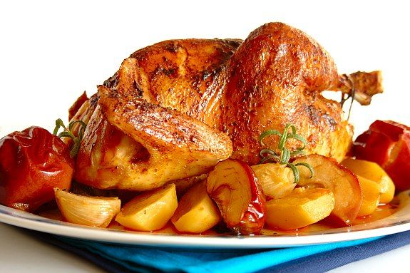 Cinco Quartos de Laranja: O Fado e uma receita de frango assado no forno com maçãs