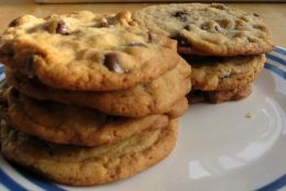 """41 Calories a cookie  Chocolate Chip Cookies  Ingredients:  1 cup flour  1/2 tsp baking soda 1/8 tsp salt 1/4 cup light butter, softened 1/2 cup brown sugar, packed 1/2 tsp sugar 1/3 cup unsweetened cocoa 2 large egg whites 1/3 cup """"semi sweet"""" choc chips"""