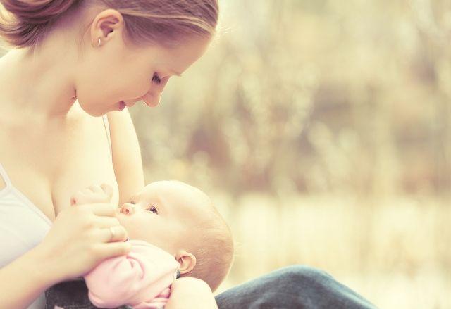 Il latte di mamma si adegua al sesso del nascituro