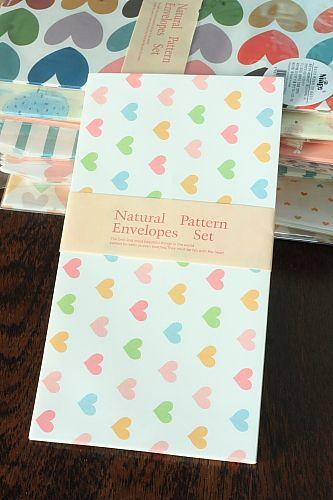 Papierdier - Envelopjes - zacht gekleurde hartjes