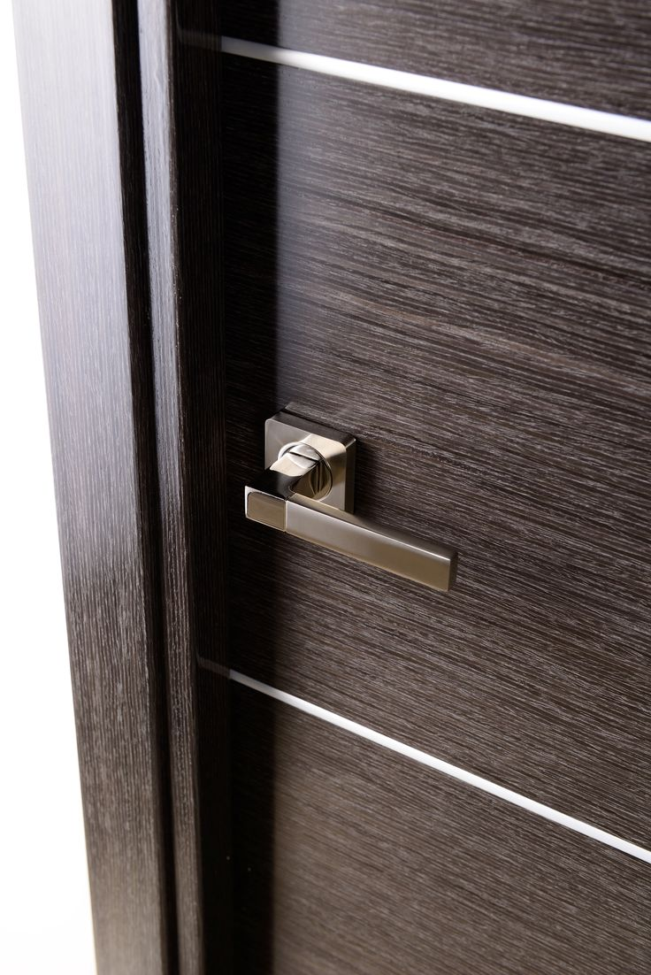 the avanti comes in a natural black apricot wood veneer in horizontal direction decorated with modern interior doorsmodern