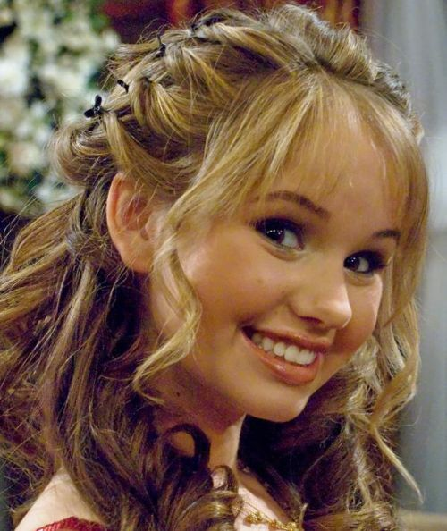 Debby Ryan is my favorite celeberty I love her!!!!! <3