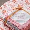 Des mouchoirs en tissu personnalisés pour la fête des mères - Marie Claire Idées