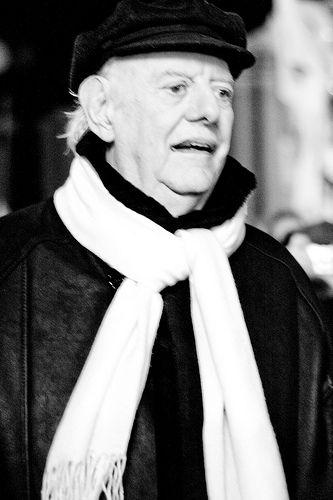 Dario Fo (Sangiano, 24 marzo 1926) è un drammaturgo, attore, scrittore, paroliere e scenografo italiano. Vincitore del premio Nobel per la letteratura nel 1997 #TuscanyAgriturismoGiratola