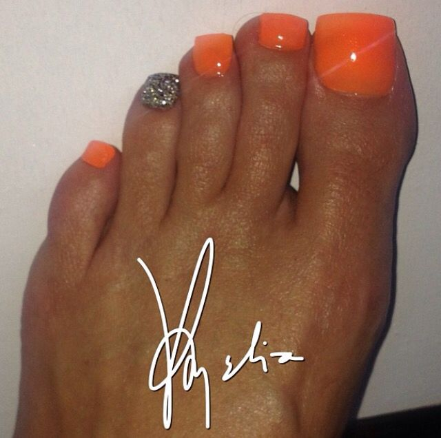 Tammy Taylor #acrylic toes
