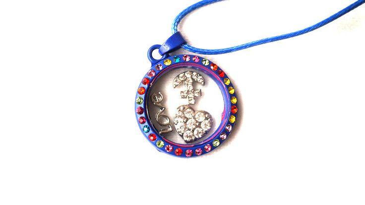 Ketten kurz - Medaillon mit bunten Strass-Steinen - ein Designerstück von Modeschmuckstuebchen-Andrea bei DaWanda