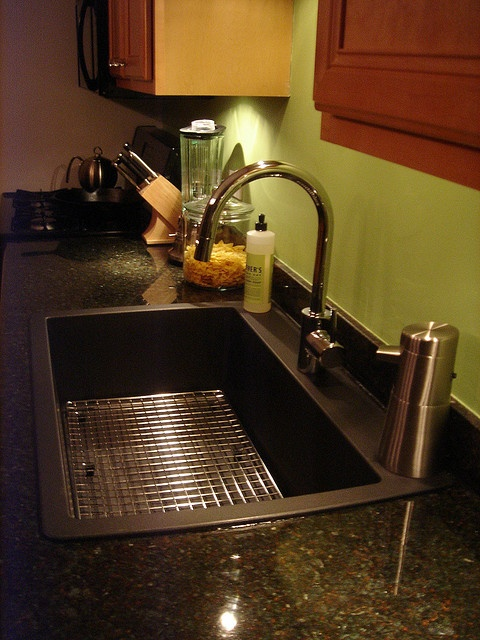 Blanco Super Single Silgranit Sink in Anthracite and Grohe Concetto Pull Down Kitchen Faucet.