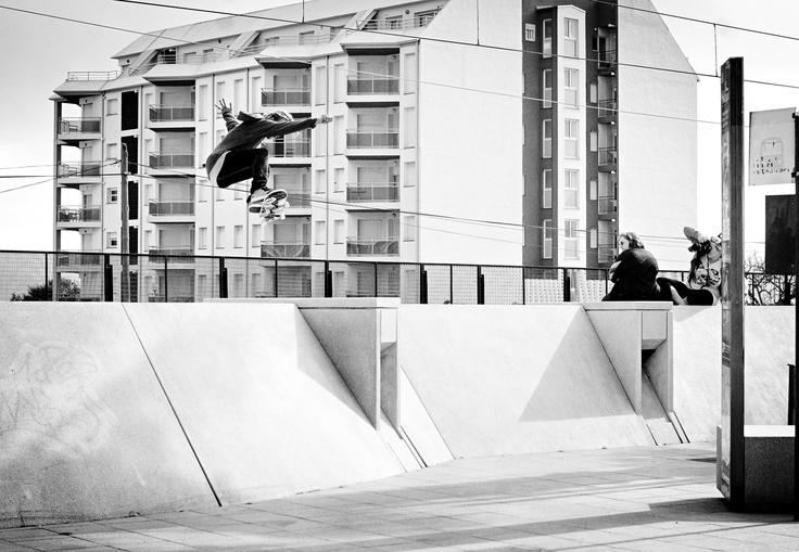 Mathieu Dupuy blindside ollie transfer bank to bank. Photo by Gerard Riera. #xkskateboarding