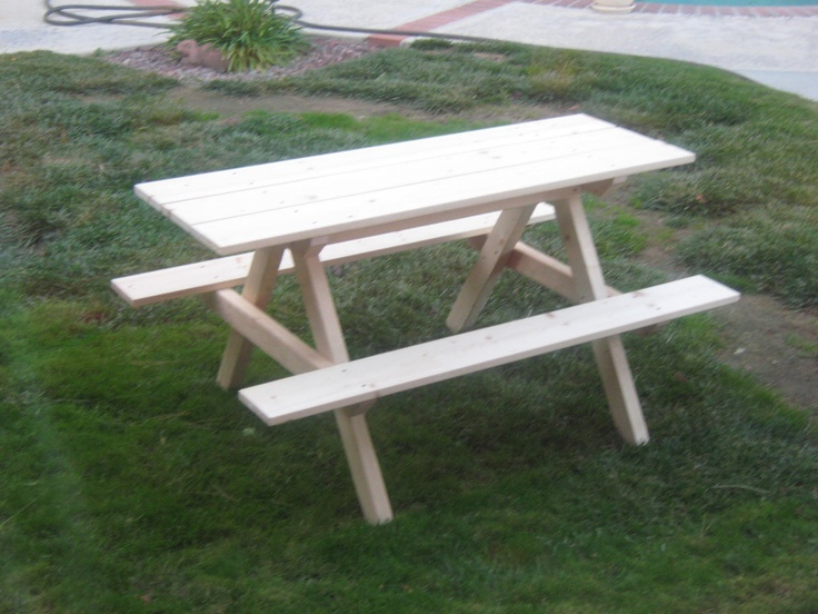 Kids Picnic Table   DIY PLANS Simple, Sturdy And Lightweight Picnic Table.  Really Liked