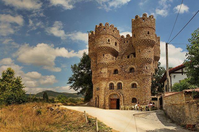 Cebolleros #Merindades  10 fascinantes castillos construidos por una sola persona