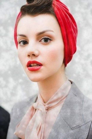 How to wear the summer turban: Red Lipsticks, Head Scarfs, Headwrap, Head Wraps, Style, Makeup, Turban, Headscarves, Hair