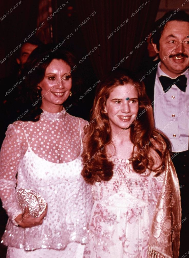 candid Melissa Gilbert and parents at some event 35m-4514 ...