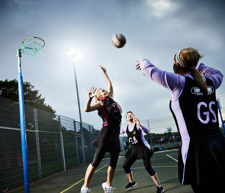An evening netball match photographed for Sports Insight magazine by CliQQ Photography.