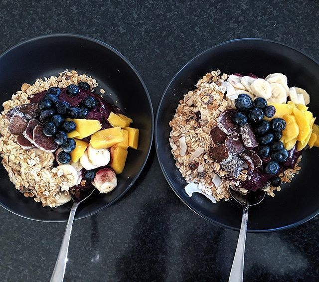 6am Acai bowls at @mrsheemskerk house🌴🌴🌴 if we are all up at 5am then why the heck not 😊