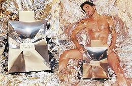 Марк Джейкобс – американский модельер, родился в Нью-йорке, создатель собственной марки Marc Jacobs - это выбор современного жителя мегаполиса.