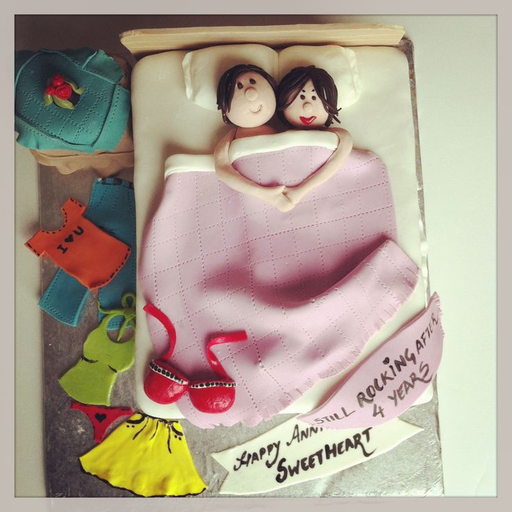Cute Anniversary Cake Images : Couple in a bed anniversary cake .. Fondant ...