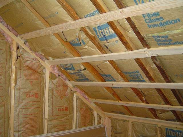 Fiberglass Insulation Installation Tips to Ensure a Tightly Sealed Home - http://www.homeadditionplus.com/insulation-info/How_To_Install_Fiberglass_Insulation.htm