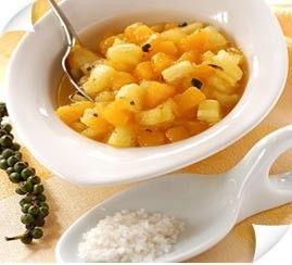 Tartare de mangues, ananas et fleur de sel