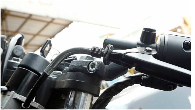 Ini Cara Mengetahui Ciri-ciri Kampas Kopling Motor Sudah Habis - http://bintangotomotif.com/ini-cara-mengetahui-ciri-ciri-kampas-kopling-motor-sudah-habis/