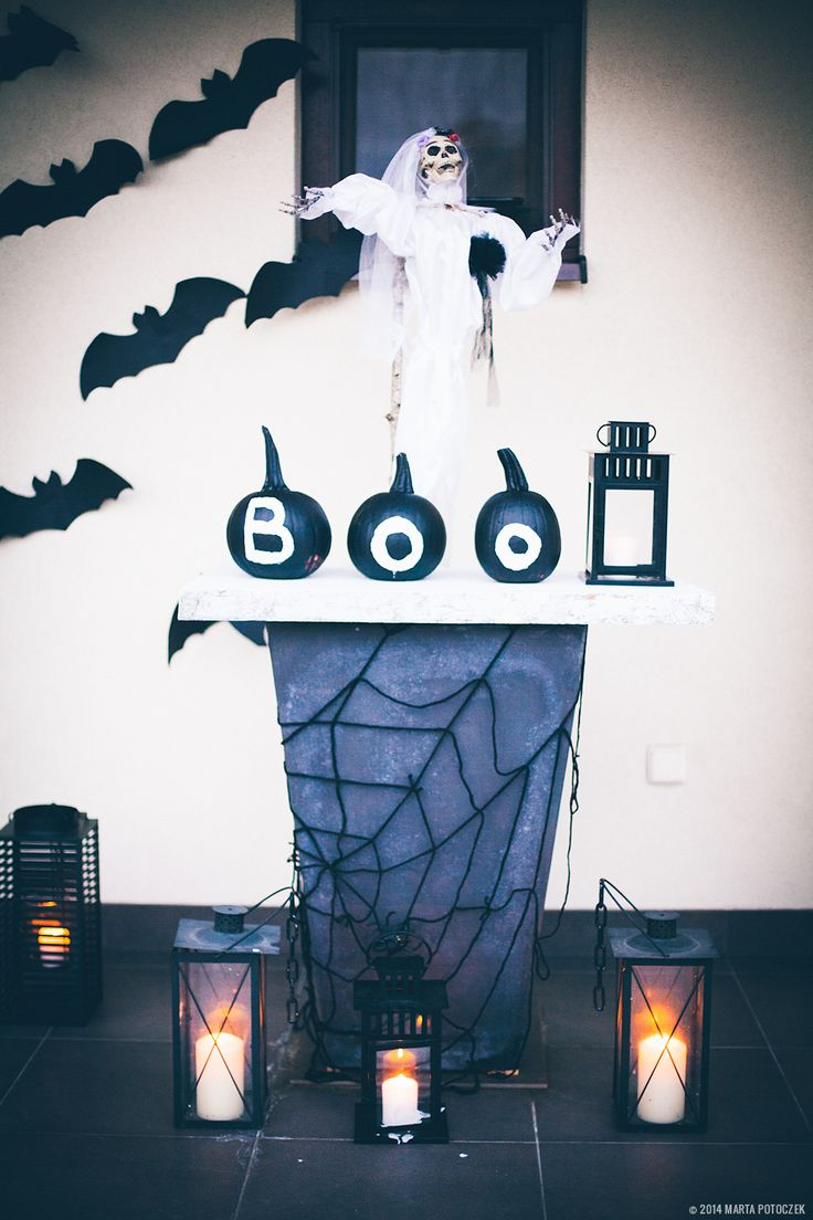 Super fast and easy Boo pumpkin decoration.
