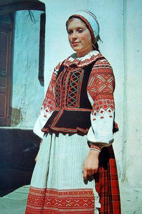 Most of the elements of the national Belarusian costume symbolic