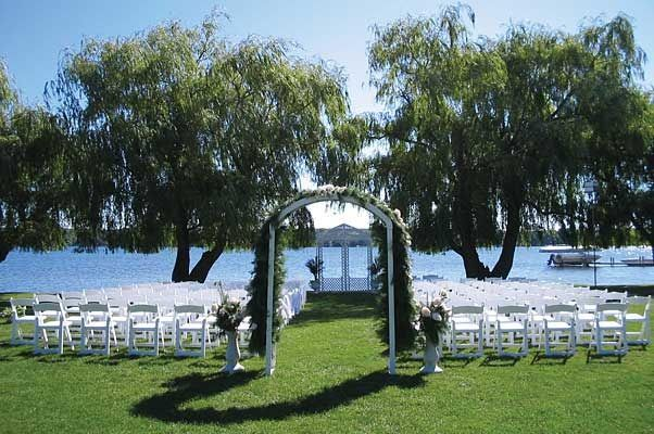 Outdoor Wedding Ceremony At Craguns Resort And Hotel On Gull Lake Brainerd MN