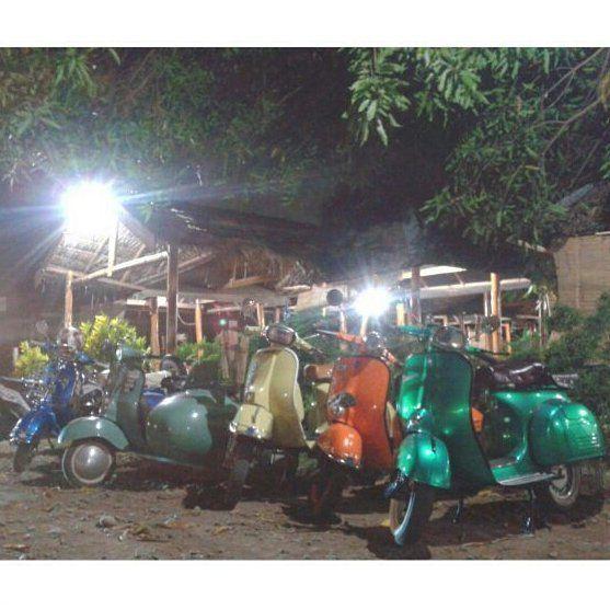 Bazar CIS Makassar  #celebesindependentscooter #myscooterlove #scooteriskotadaeng #vespamakassar #vespaclassic #vespaekstream #vespa #piaggio #naikskuter #explorevespa #veronicaa #vespamania #indonesia by cis_makassar