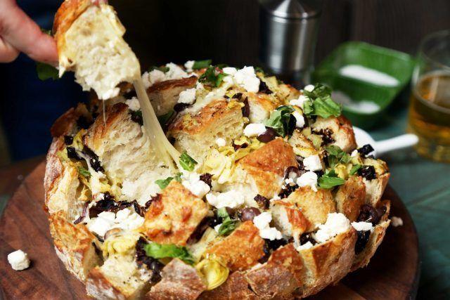 Mediterranean Pull Apart Bread | http://joythebaker.com/2016/12/mediterranean-pull-apart-bread/