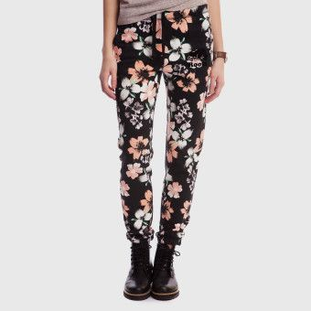 Canada Floral Slim Sweatpant #RootsCanada If i wore sweatpants, this would be them