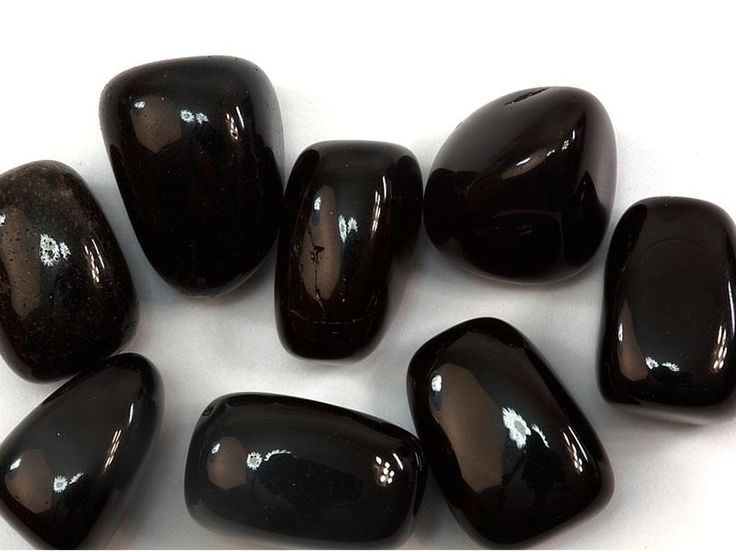 Black Obsidian is fabulous for protection. It brings creativity, male qualities and helps your intuition. It grounds you and is great for Shamanic healings.  Black Obsidian is great for digestion and helps your survival instincts.