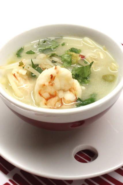Soupe thaï aux crevettes & germes de soja, citronelle, gingembre, coriandre...