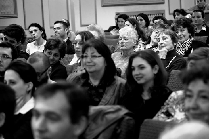 publicul iubitor de muzica si opera