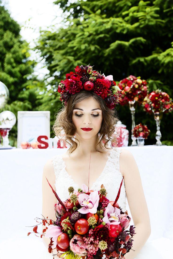 25 best Snow White Themed Wedding Shoot images on Pinterest | Retro ...