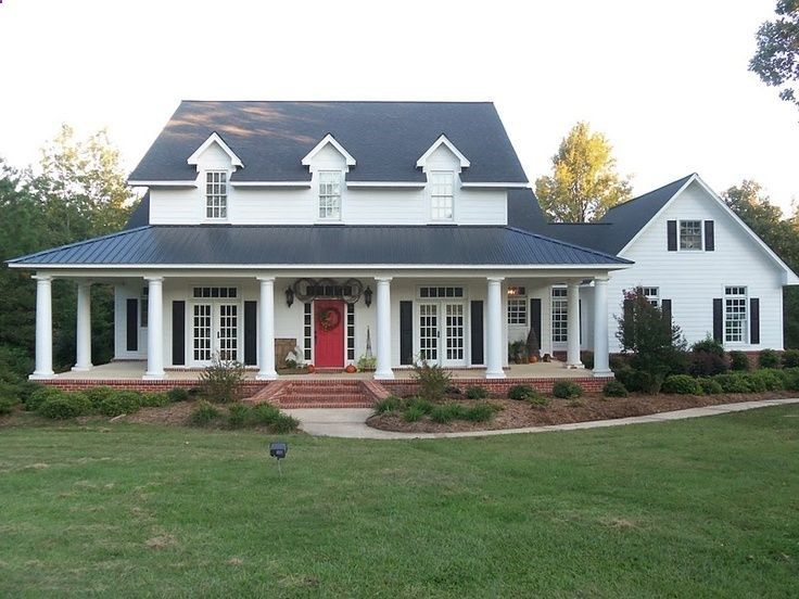 I want this. Light house, dark trim. Interior complete opposite. :) But maybe not a red door.