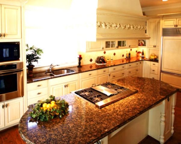 Best Light Cabinets With Baltic Brown Granite Brown Granite 400 x 300