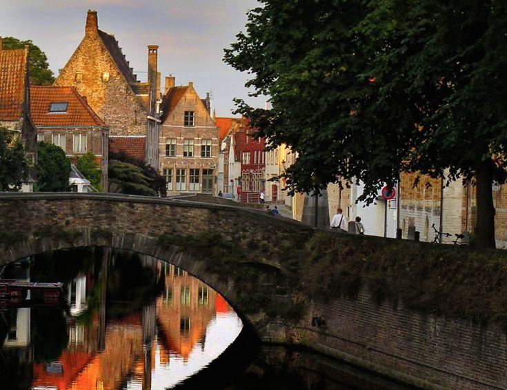 Viajes culturales por Europa: Brujas - http://revista.pricetravel.com.mx/viajes/2015/08/18/viajes-culturales-por-europa-brujas/