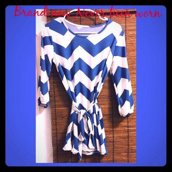 Blue & white Chevron print dress X-Small Chevron Print Dress Dresses Long Sleeve
