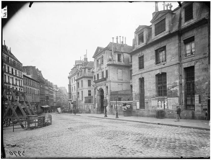 Paris, St-1. Lazare, exterior, from north