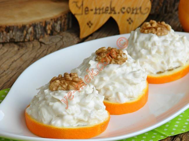 Portakal Dilimlerinde Kereviz Salatası Resmi
