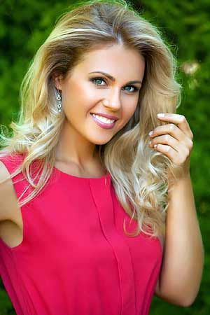Woman dating single russian