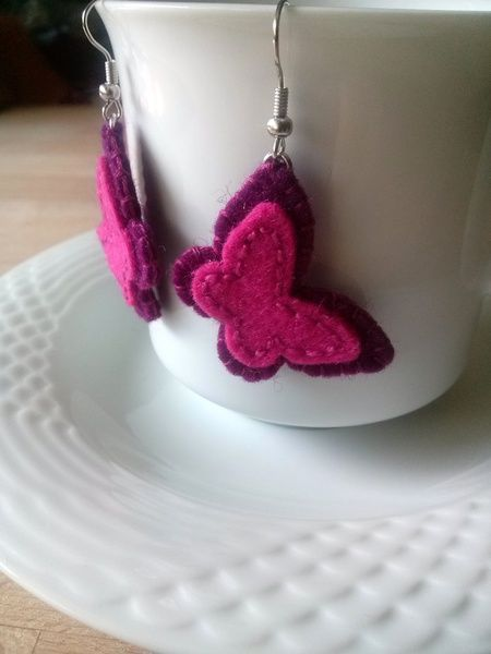Boucles d'oreilles, Butterfly earrings - magenta wool felt earrings est une création orginale de dusi-ustvarja sur DaWanda